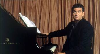 Carlos Cano al piano   carloscano.es