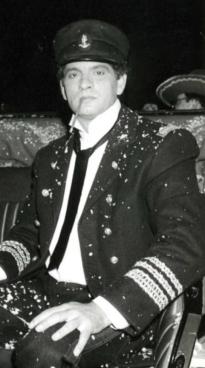 Carlos Cano durante el carnaval de Cádiz de 1988   carloscano.es