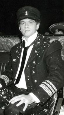 Carlos Cano durante el carnaval de Cádiz de 1988 | carloscano.es