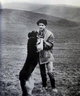 Carlos Cano con su perro Siro   carloscano.es